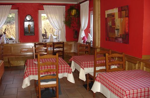 Restaurant restaurant l 39 arbre vert la melch for Salle a manger a colorier